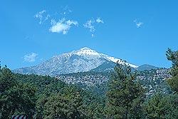 Так выглядит гора Тахталы из города Кемер